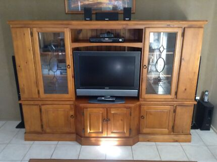 Solid timber entertainment unit with TV and stereo/dvd player Laidley Lockyer Valley Preview