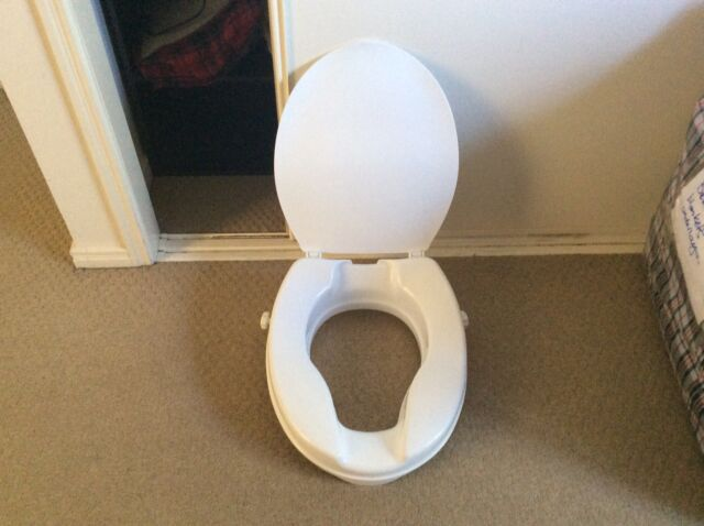 Raised Toilet Seat | Miscellaneous Goods | Gumtree Australia Ipswich ...