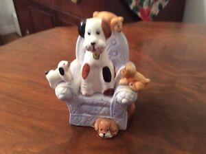 Salt and pepper shaker - Dogs in a chair