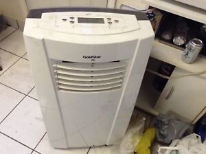 Portable a/c with remote. Almost new