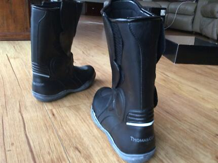 Thomas cook motorcycle boots