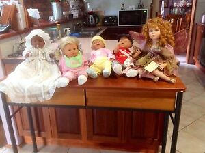 Selection of 5 dolls Chisholm Tuggeranong Preview