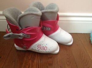Girls size 20.5 downhill ski boots