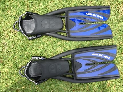Scubapro twin jet max fins with stainless steel straps size large