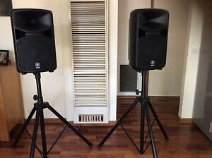 Yamaha Stagepas 600i Portable PA system including speaker stands Narre Warren Casey Area Preview