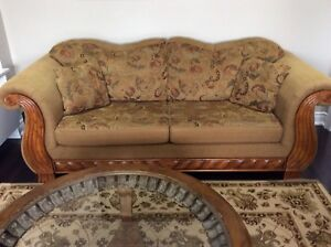 3 piece sofa set in great condition