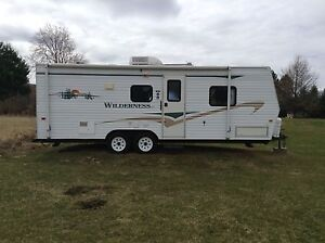 2006 25ft wilderness travel trailer