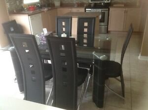 Modern Look Dining Table - 6 seater