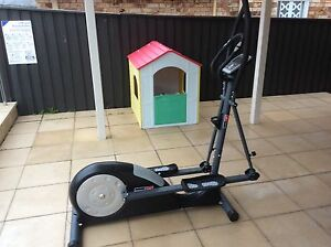 Cross trainer for sale Sylvania Sutherland Area Preview