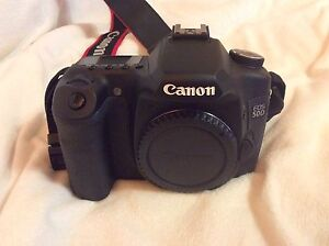 Canon EOS 50D Body with Flash
