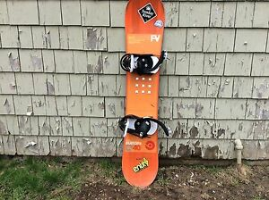 Burton Custom Smalls Flying V Youth snowboard 140cm