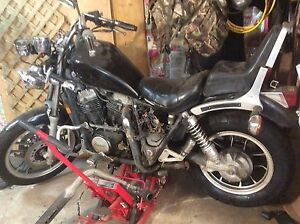 1983  Honda Shadow  750 with front end damaged