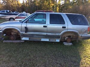 1998 Chevy Blazer for sale as parts