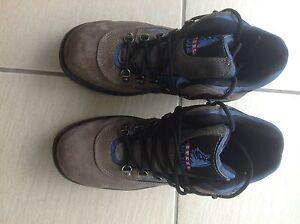 Blue steel cap work boots Bracken Ridge Brisbane North East Preview