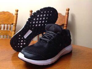 Men's Adidas Cloud Foam size9  running shoes
