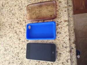 iPod touch 4th generation 32 gb + free case