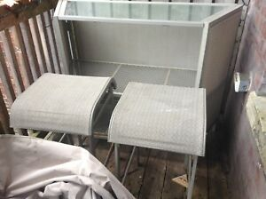 (now $120)patio/deck 'Bar-Set' w/2 stools n cover