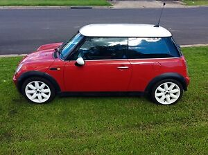 2005 Mini Cooper chilli Sporty 4 cylinder Auto  BARGAIN Woodbine Campbelltown Area Preview