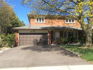 Toronto Vacation Home 4 Bedrooms Large Clean Excellent Location