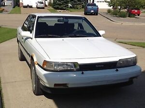 1989 Toyota Camry LE