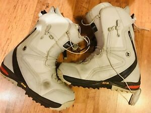 Snowboard Boots / Bottes 12