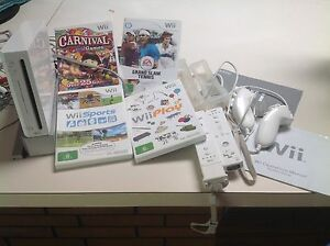 Nintendo Wii White Console,controllers and 4 GAMES Panorama Mitcham Area Preview