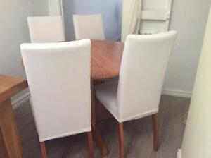 Solid Wood Round 4 seat dining table