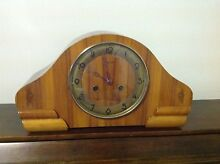 Antique clock  Art Deco keeps perfect time lovely grain in timber Daisy Hill Logan Area Preview