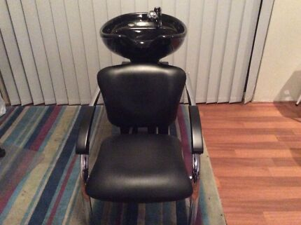 Hairdressing salon basin with chair $400 Ono