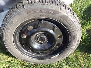 4 pneus d'hiver 235 55 R 17 580$