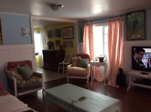 A lovely vintage cottage for rent in beautiful Crystal Beach