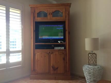 Beautiful custom made solid timber wall unit   Cabinets   Gumtree ...