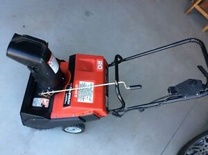 Murray Electric 20 Snow blower (wire not included)