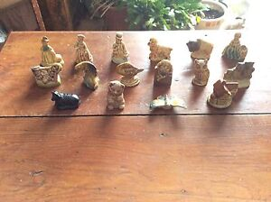 17 Vintage Wade/Red Rose tea figurines