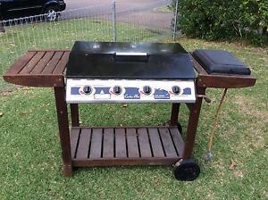 4 BURNER GAS BBQ WITH WOK BURNER Lambton Newcastle Area Preview