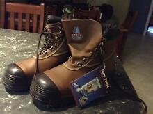 Men's work boots Baldivis Rockingham Area Preview