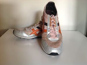 2 X pairs of womens Onitsuke Tiger Shoes - size 7. Price for both Grays Point Sutherland Area Preview
