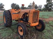 Chamberlain 9G Collectors tractor Narrandera Narrandera Area Preview