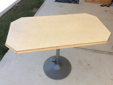 Rectangle Table with removable top