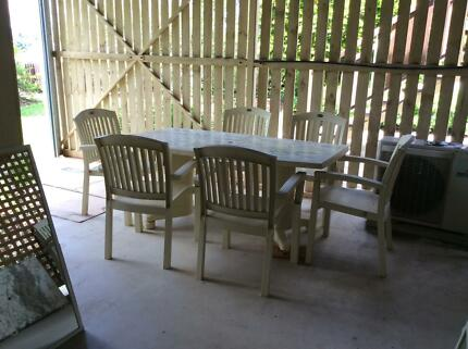 Outdoor Dining Table And Chairs For 6 8 Ppl