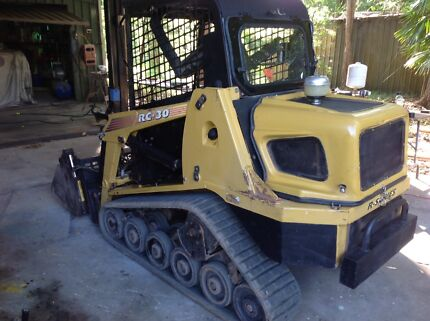 RC30 Skidsteer low hours