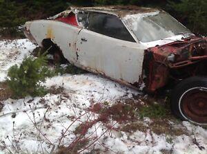 Dodge Superbee 1971 $2,500  # 418 645 3779