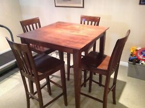 Wooden Bar Table with 6 matching stools