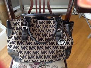 Authentic Signature Michael Kors Handbag Like New