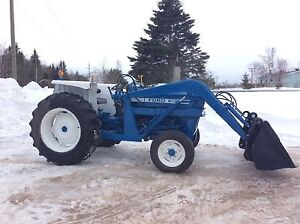 Tracteur Ford 3600 1976
