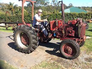 383 International Komatsu Tractor Morayfield Caboolture Area Preview