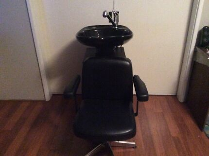 Hairdressing salon basin and basin chair $320 Ono