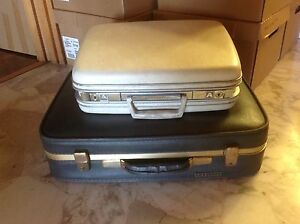 2 vintage suitcases Chelsea Kingston Area Preview