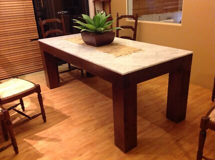 Dining table Mandurah Mandurah Area Preview