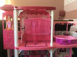 Barbie's 3 Storey Dream House with
